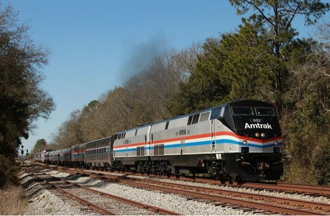 amtrak case If a picture is worth a thousand words, here are 16 that provide a veritable encyclopedia about what it's like to ride the rails with amtrak.
